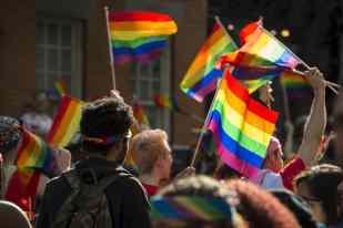Em busca de espaço: comunidades LGBTs e de criptomoedas