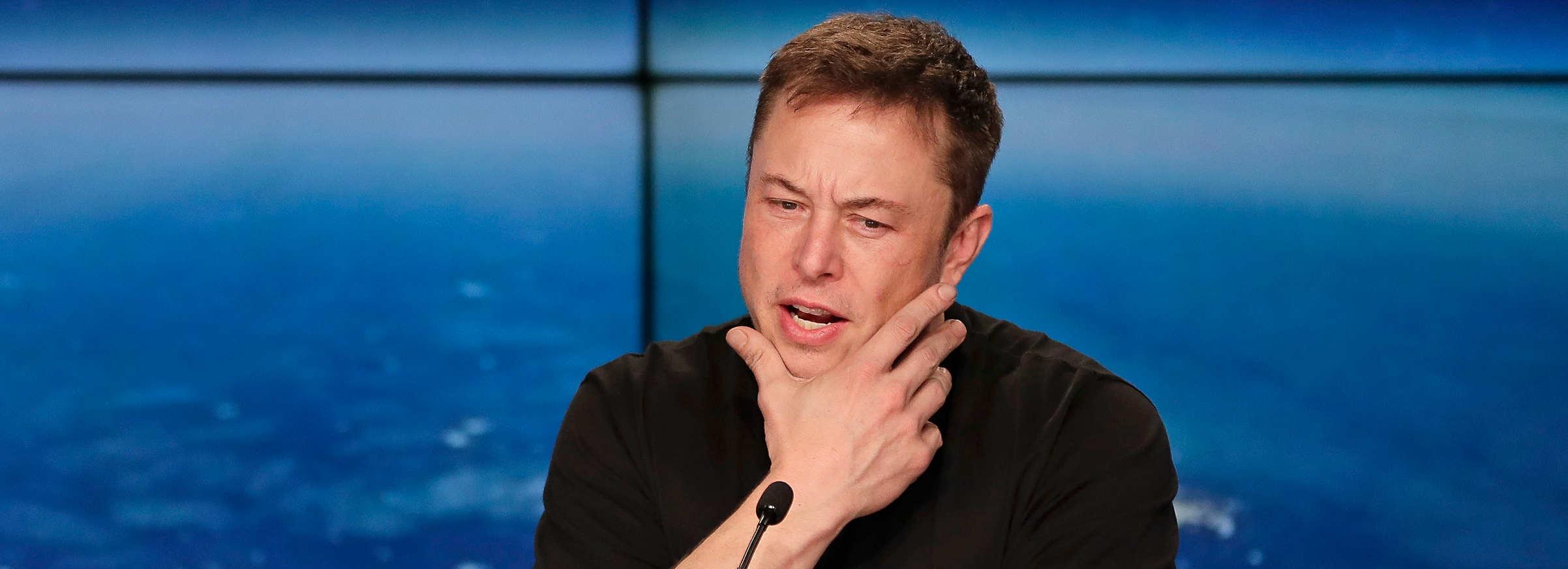 Minuto Cointimes #17 – Bancos x Bitcoin, Musk tweet de 900 milhões e muito mais