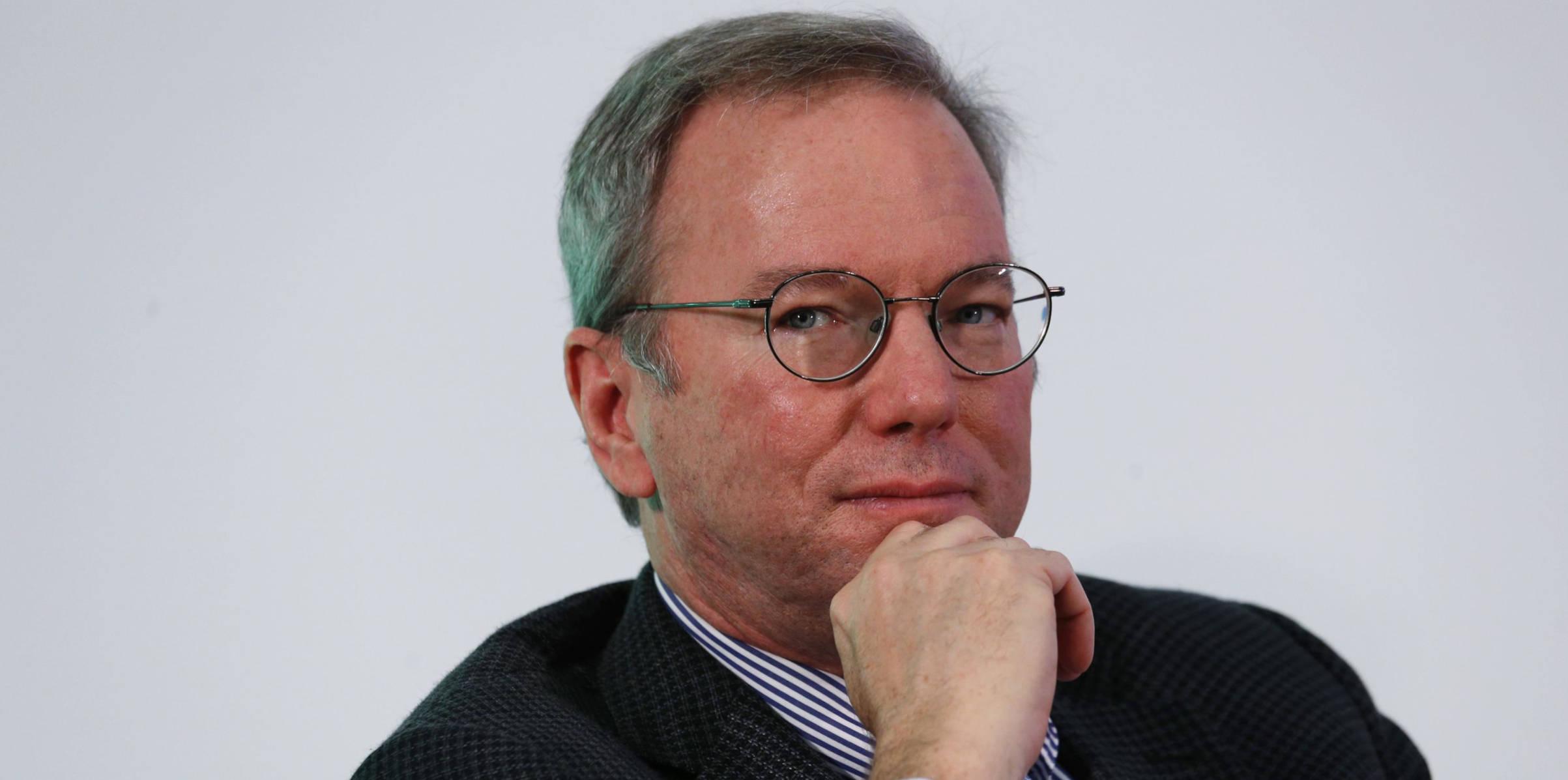 Minuto Cointimes #30 – Initiave Q, banqueiro fugindo, Trump exchanges e mais