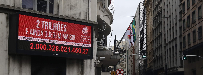 Brasileiros já pagaram mais de 2 trilhões de reais em impostos