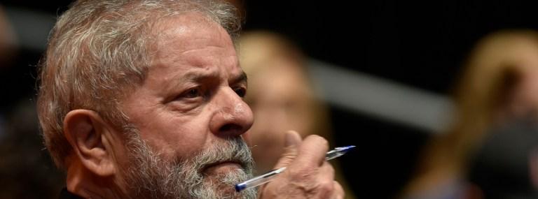 Aumento da taxa de juros nos EUA e possibilidade de soltura de Lula fazem Bovespa perder 1400 pontos