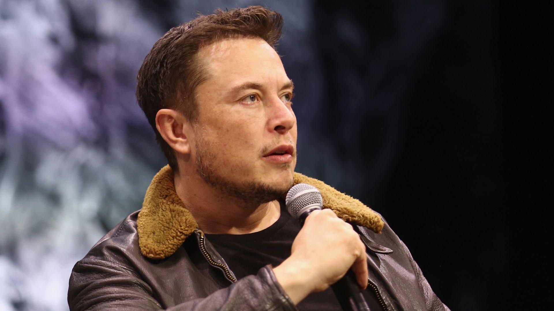 Elon Musk diz que criptos são melhores que dinheiro de papel