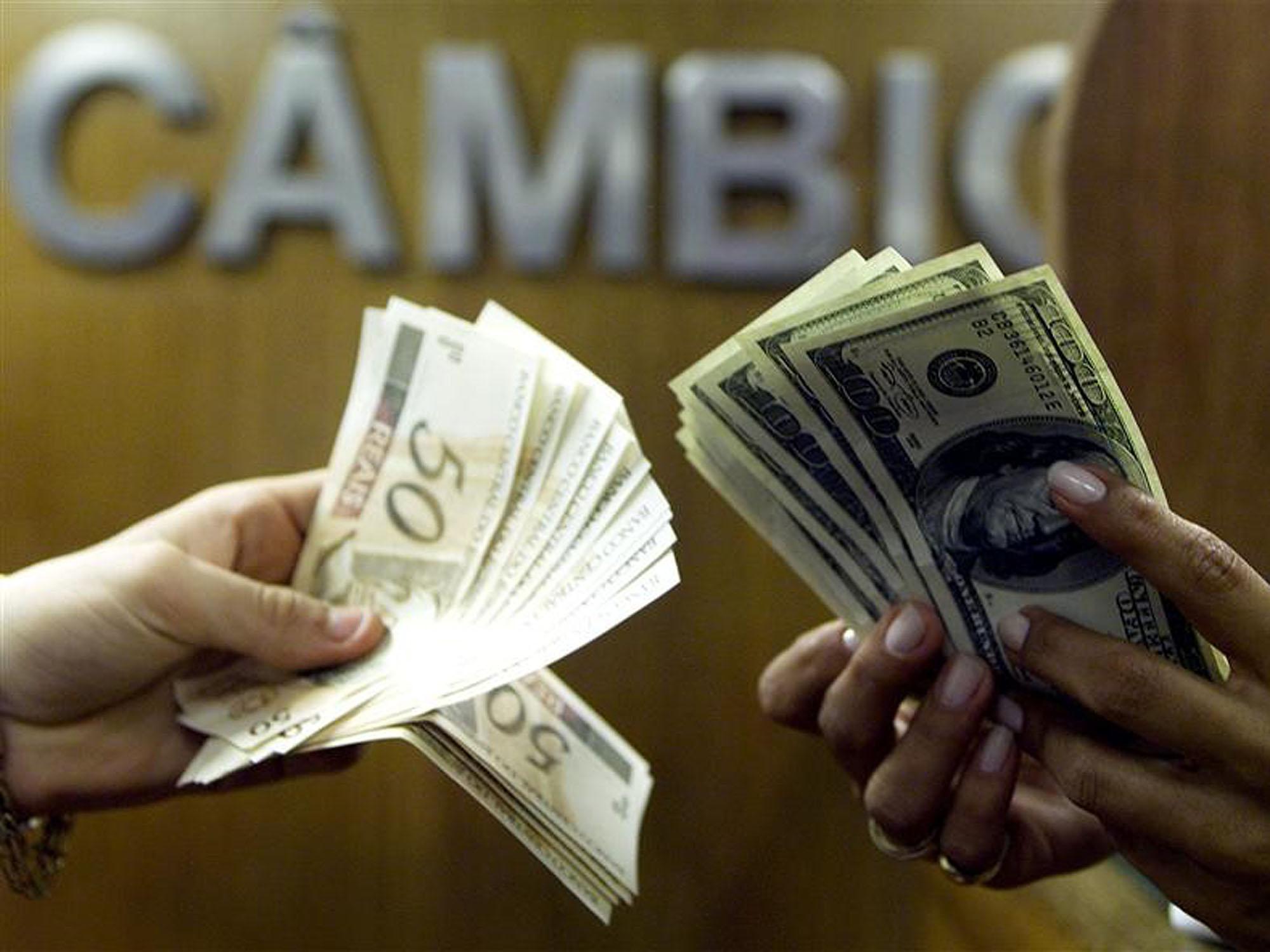 Dólar na maior de 2019: moeda chegou a ser cotada a R$4,01