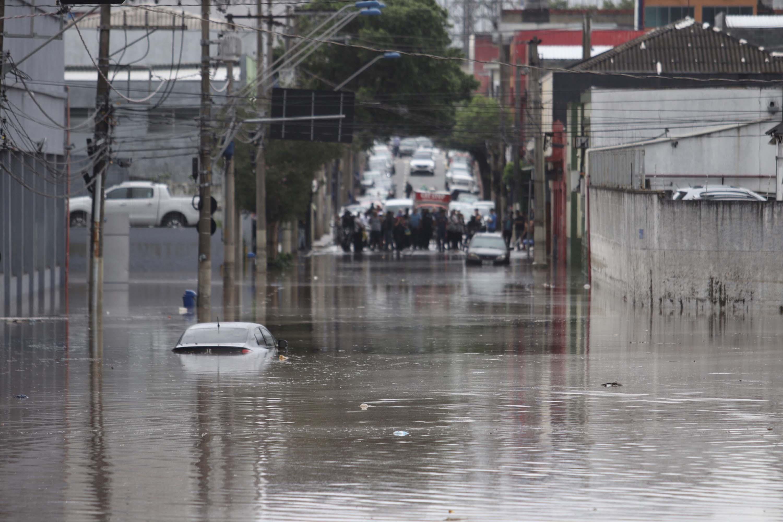 Enchentes e o preço da negligência