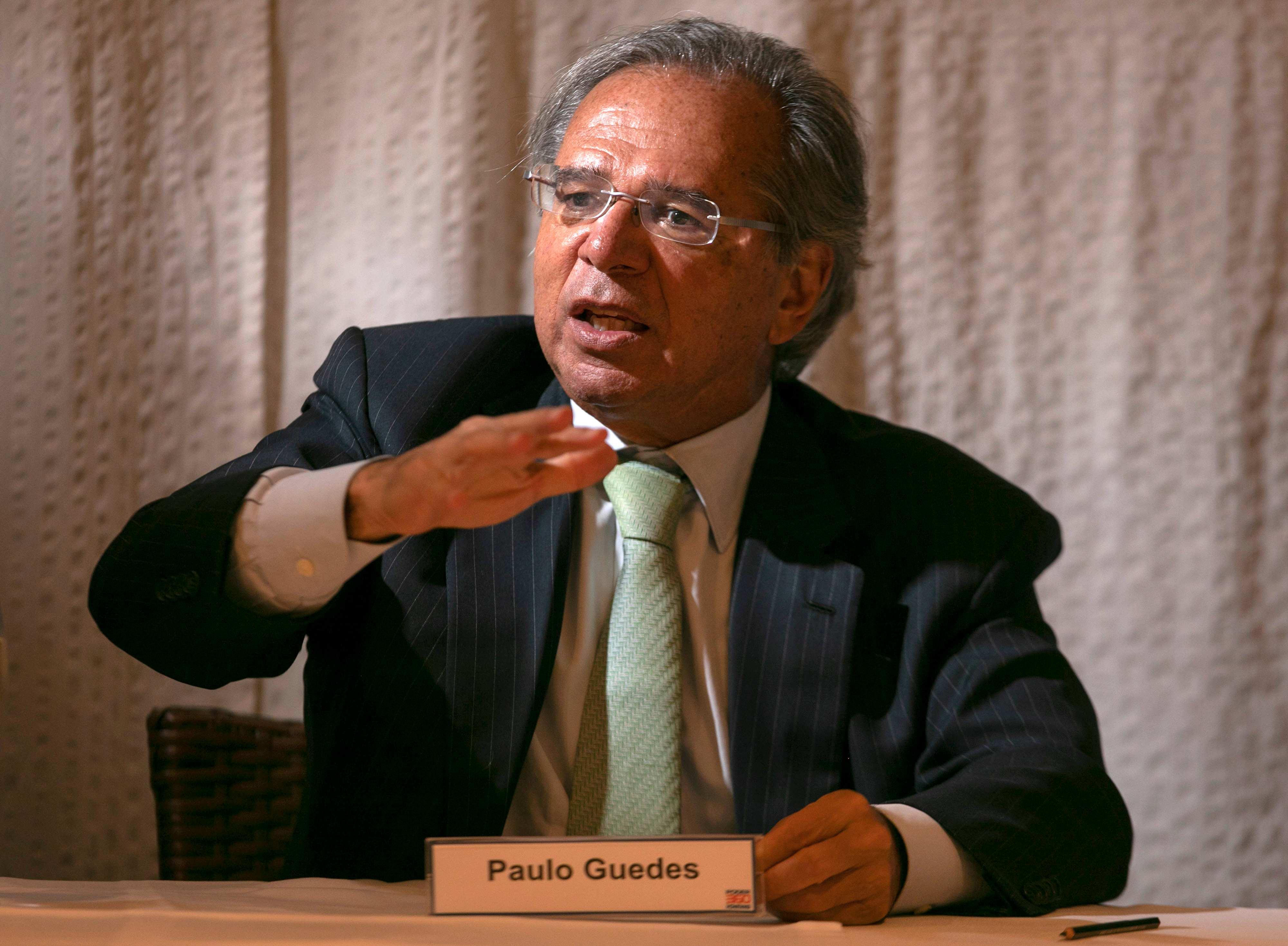 """Guedes: """"se Reforma for ruim ou não passar, pego um avião e vou embora"""""""