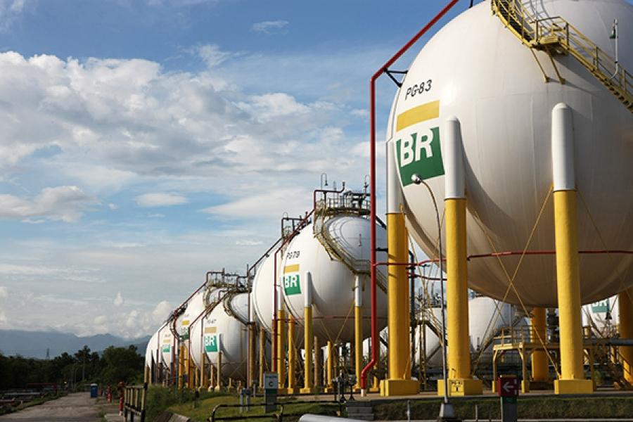 Petrobras anuncia reajustes de 2,57% para diesel