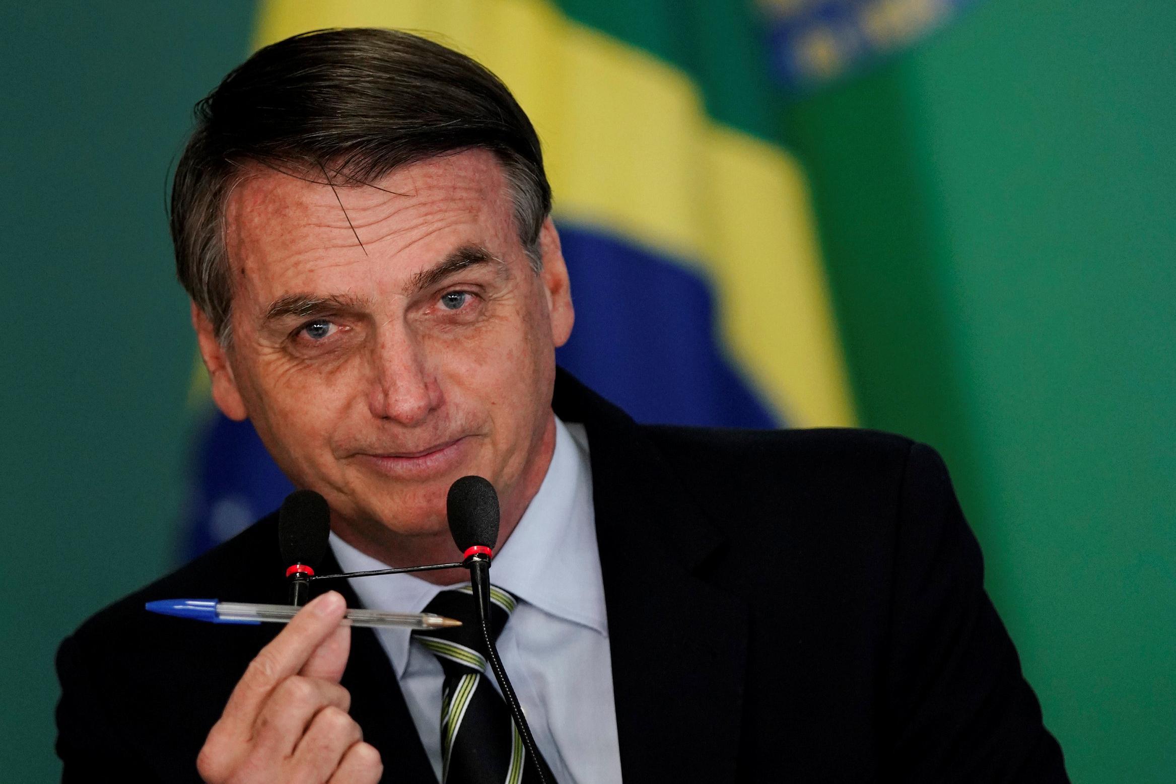 bolsonaro quer quebrar monopólio de armas da taurus
