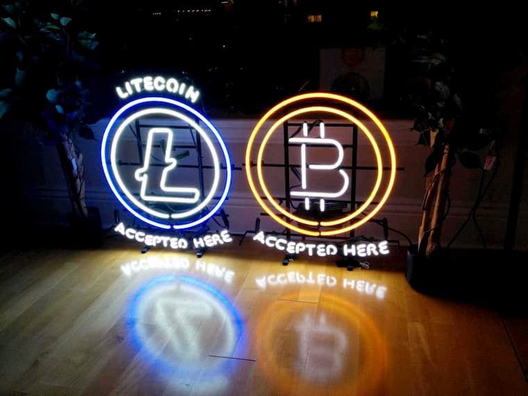 devo investir em bitcoin ethereeum ou litecoin