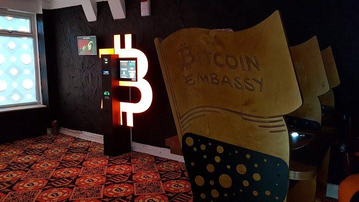 """Ladrões tentam roubar """"Embaixada do Bitcoin"""" mas não conseguem, veja o vídeo"""