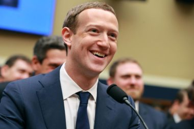 Zuckerberg Sorrindo