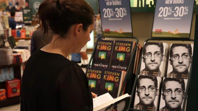 Permanent Record – Livro de Snowden é usado para espalhar malwares