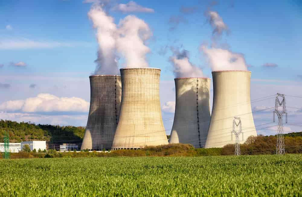 Funcionário ilegalmente usa usina nuclear para minerar criptomoeda