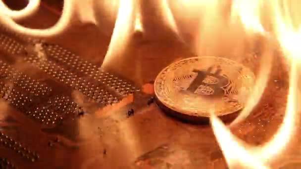 Vídeo mostra $ 10M em mineradoras de bitcoin pegando fogo na China
