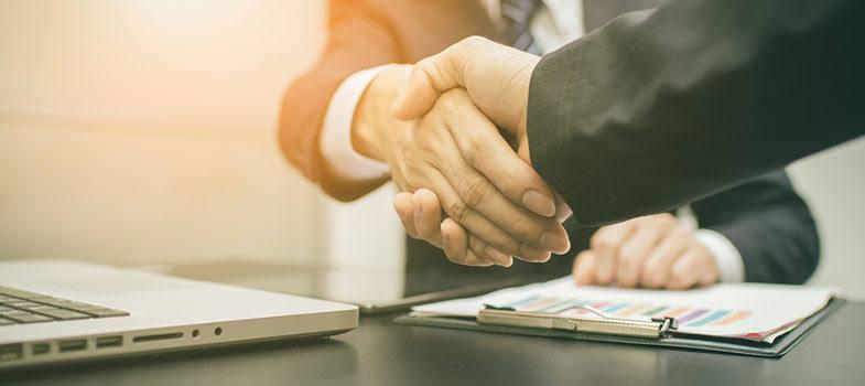 Site de finanças mais popular dos EUA faz parceria com o CoinMarketCap