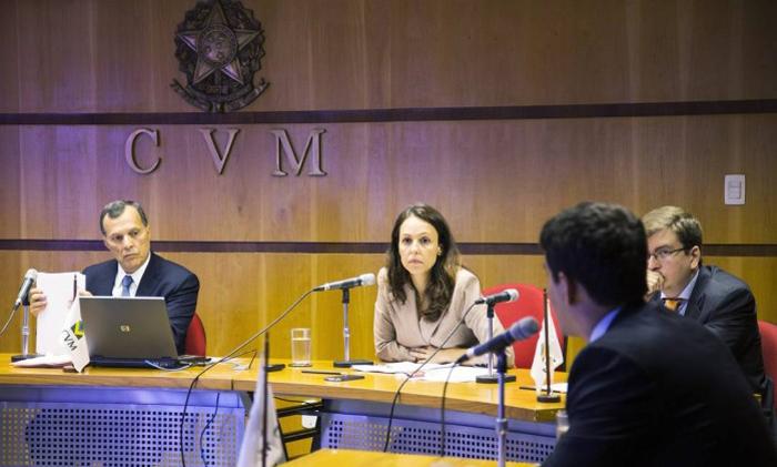 CVM dá prazo de 48 horas úteis para empresas efetuarem saques de clientes