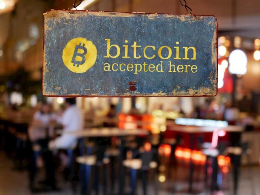 Número de lojas que aceitam bitcoin cresce 13% em 2019