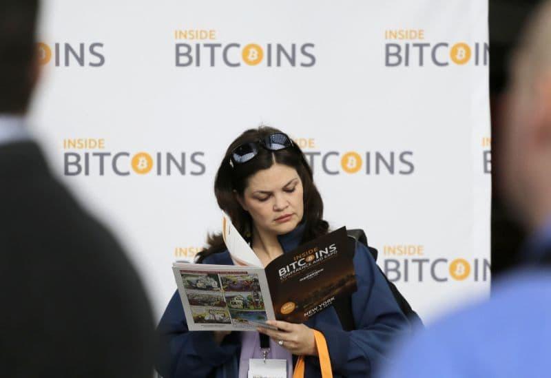 43% dos investidores interessados em Bitcoin são mulheres, aponta pesquisa