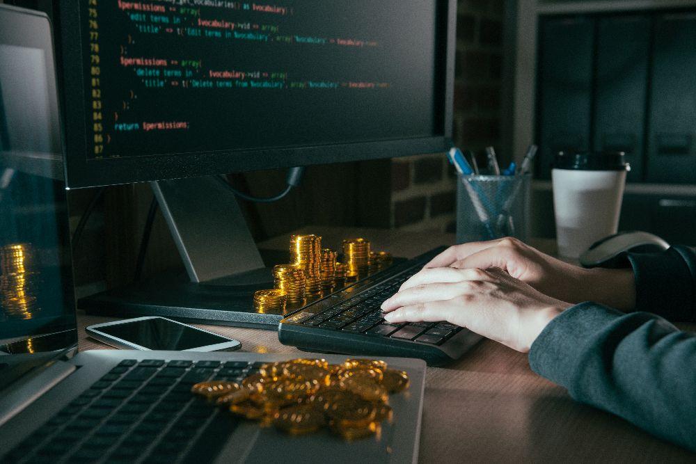"""""""Shitcoin Wallet"""" é acusada de roubar criptomoedas"""
