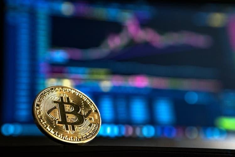 Sinal de alta? Depósitos de BTC em exchanges diminuem