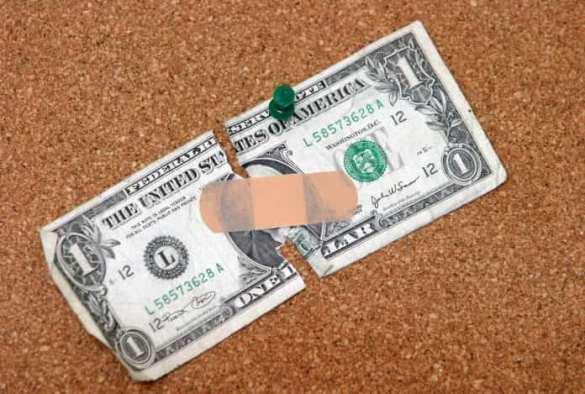 Dólar com um band aid