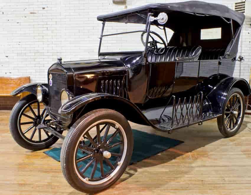 John McAfee compara o Bitcoin com o primeiro carro da Ford