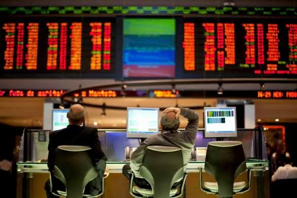 Investidor olhando o Ibovespa