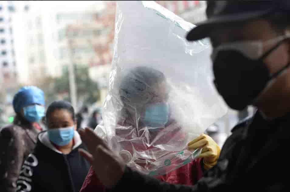 China está queimando milhares de corpos infectados pelo coronavírus?