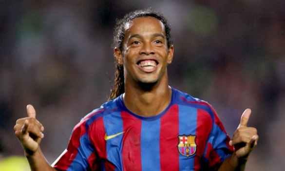 Ronaldinho Gaúcho mandando o hangloose