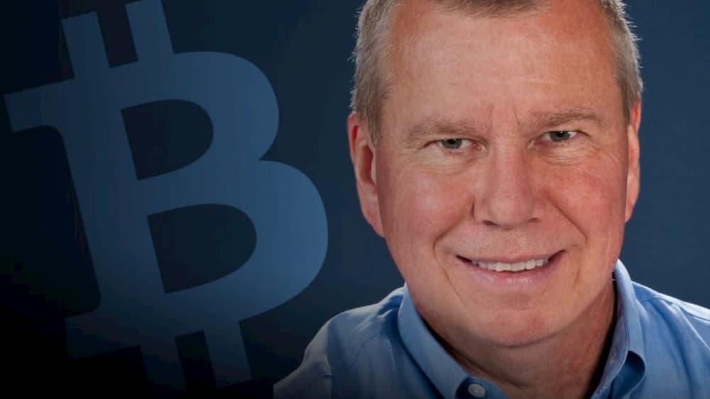 Trader lendário explica se Bitcoin é realmente um porto seguro