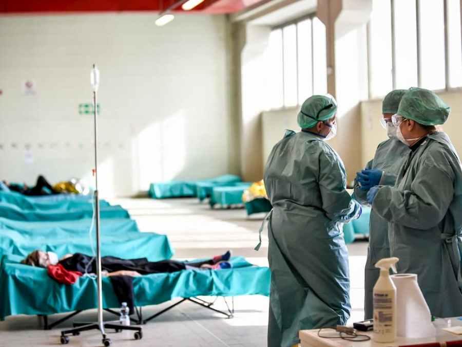 Idosos infectados na Itália serão deixados para morrer, diz jornal