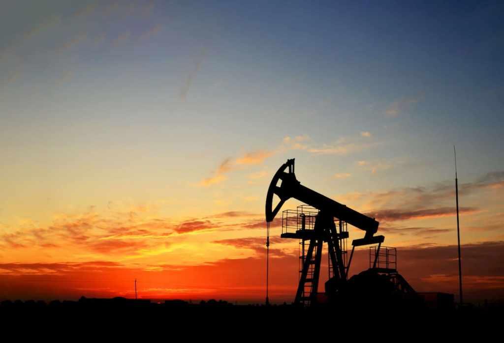 Perfuradora para Petróleo no Deserto