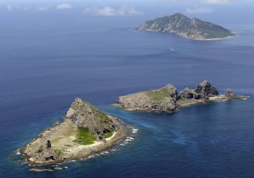 Navios chineses perseguem barcos japoneses, tensão aumenta
