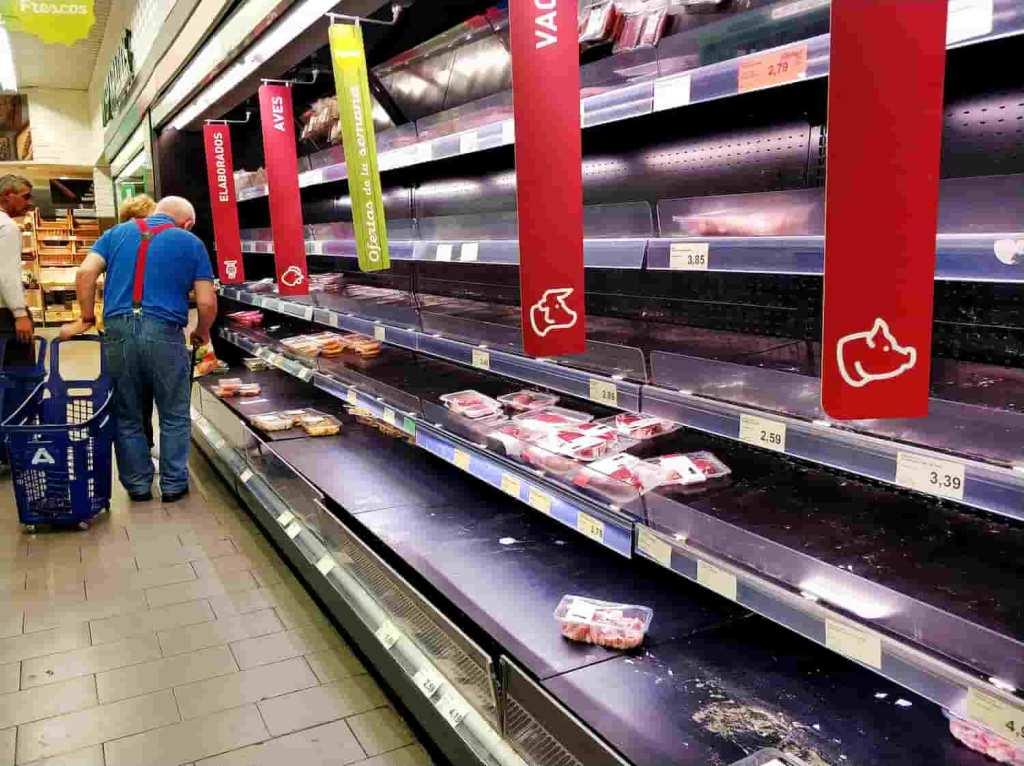 prateleiras de carne vazias nos Estados Unidos