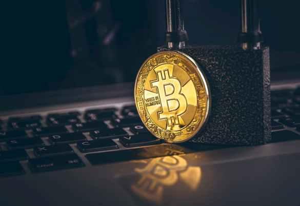 ataque de força bruta no Bitcoin