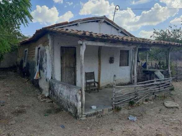 Casa na qual a vítima foi mantida em cárcere privado no interior do Ceará