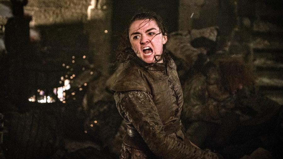 Atriz de Arya Stark em Game of Thrones pergunta se deveria comprar Bitcoin