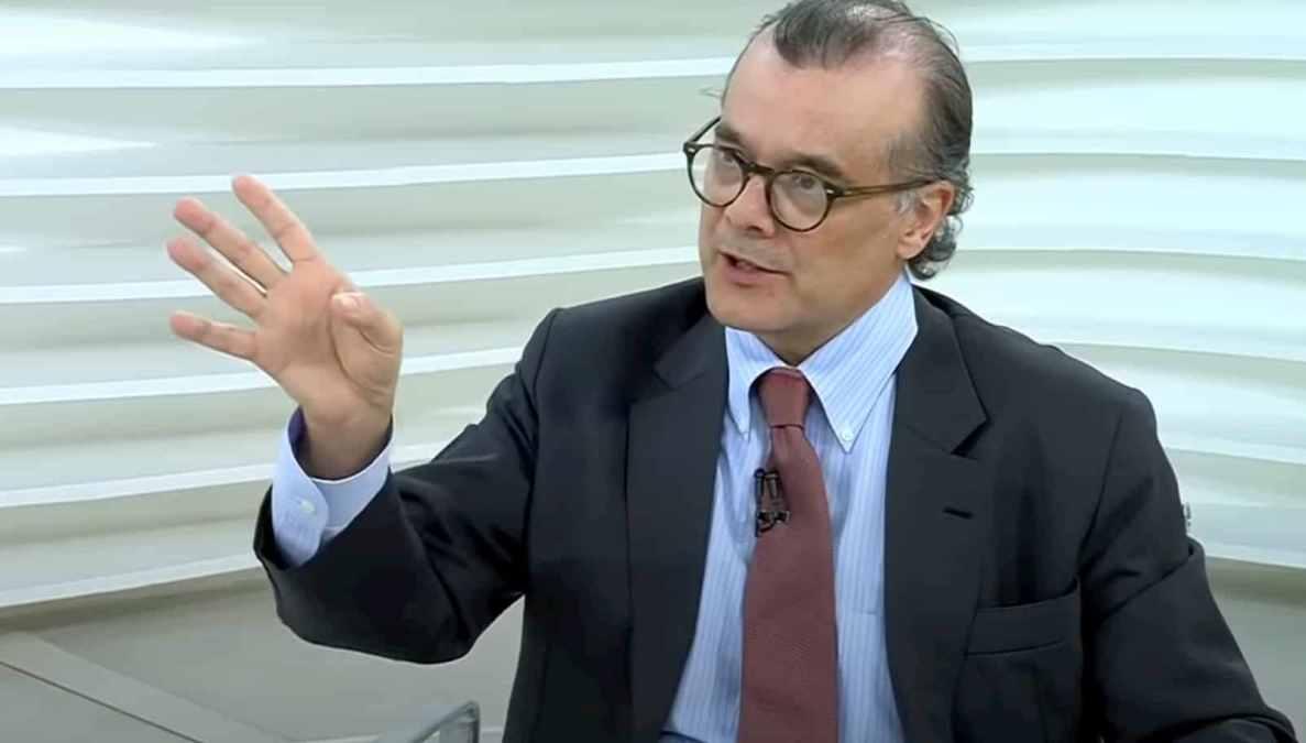 Bitcoin caindo, Gustavo Franco pede internação de Boulos e novidades sobre a vacina