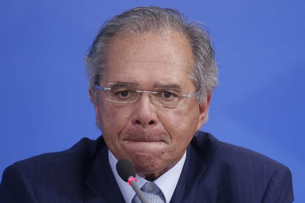 Paulo Guedes em silêncio sobre imposto do Bitcoin