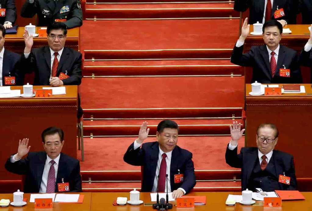 Xi Jinping ao lado de seus predecessores