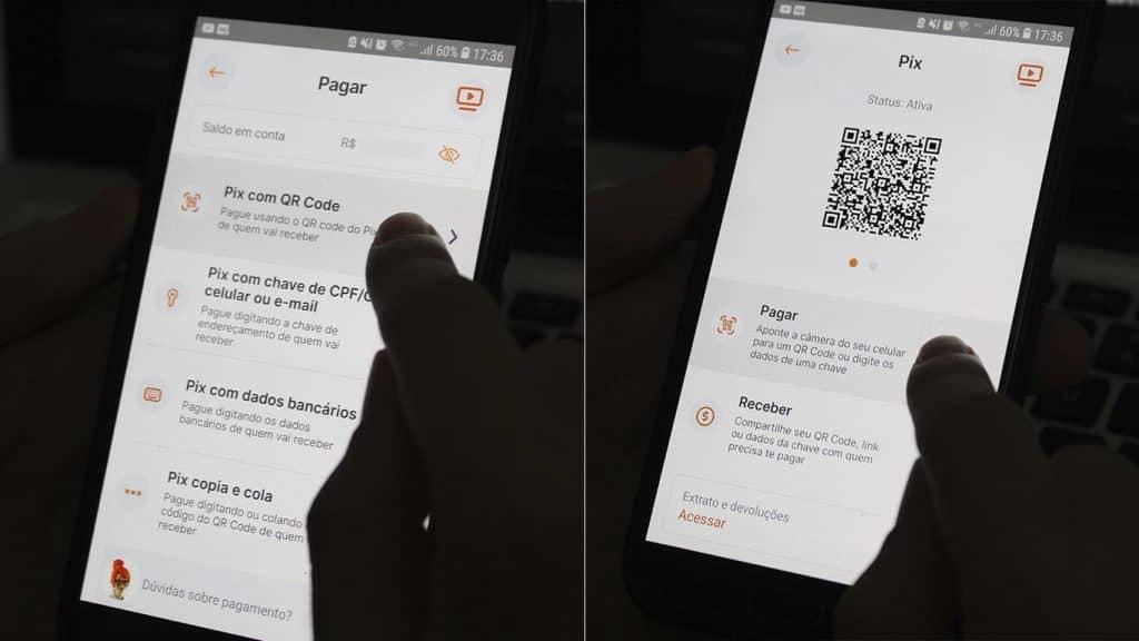 escolhendo o pagamento por Pix com QR Code no celular.