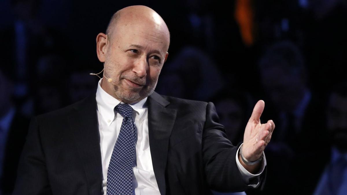 Governos deveriam estar 'se armando' para lidar com o Bitcoin, diz ex-CEO do Goldman Sachs
