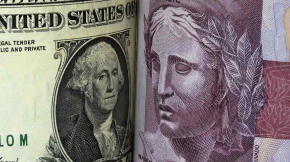 O dólar americano fechou o dia a R$ 5,30, uma queda de cerca de 0,18% em relação a sua abertura de hoje (13) de 5,32.