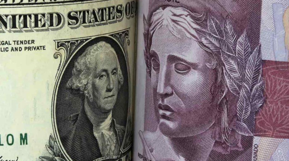Dólar americano fecha dia em queda, confira