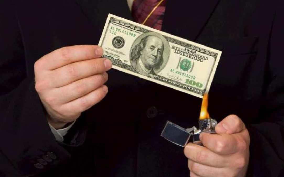 'Bitcoin não é uma ameaça ao dólar', afirma James Bullard do Federal Reserve