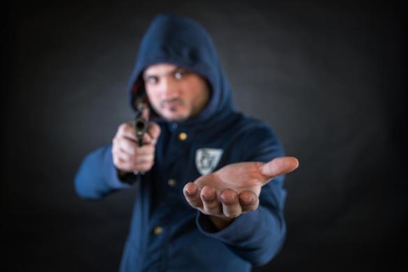 Criminosos fazem reféns e roubam mais de R$200 mil em bitcoin. Como se proteger?