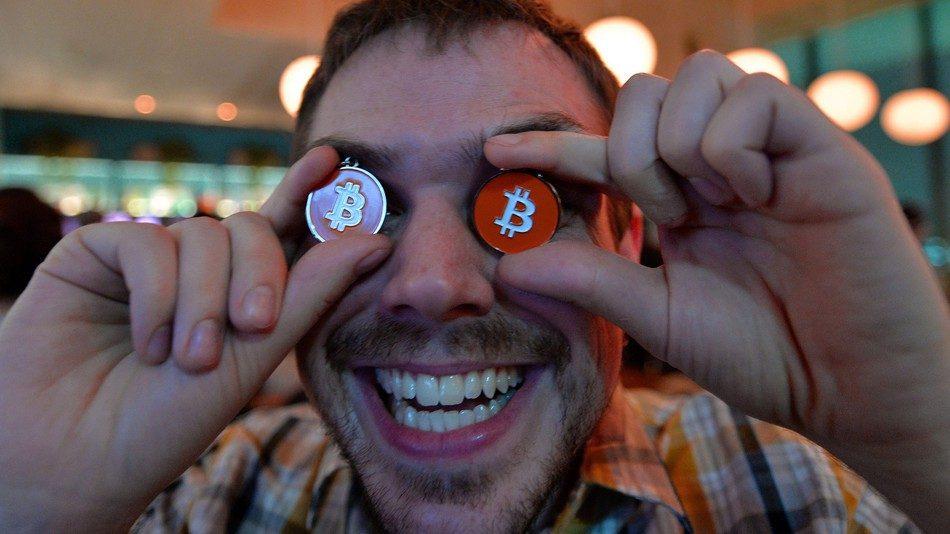 Sob influência de LSD, usuário do Reddit prevê compra de Bitcoin da Tesla