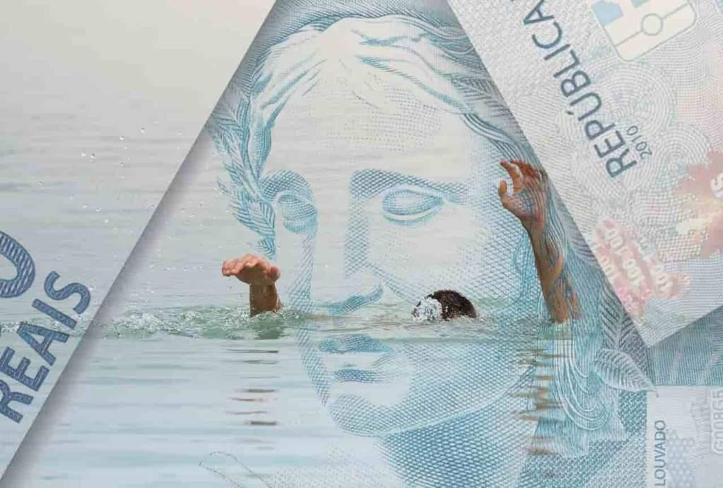 real com pessoa se afogando