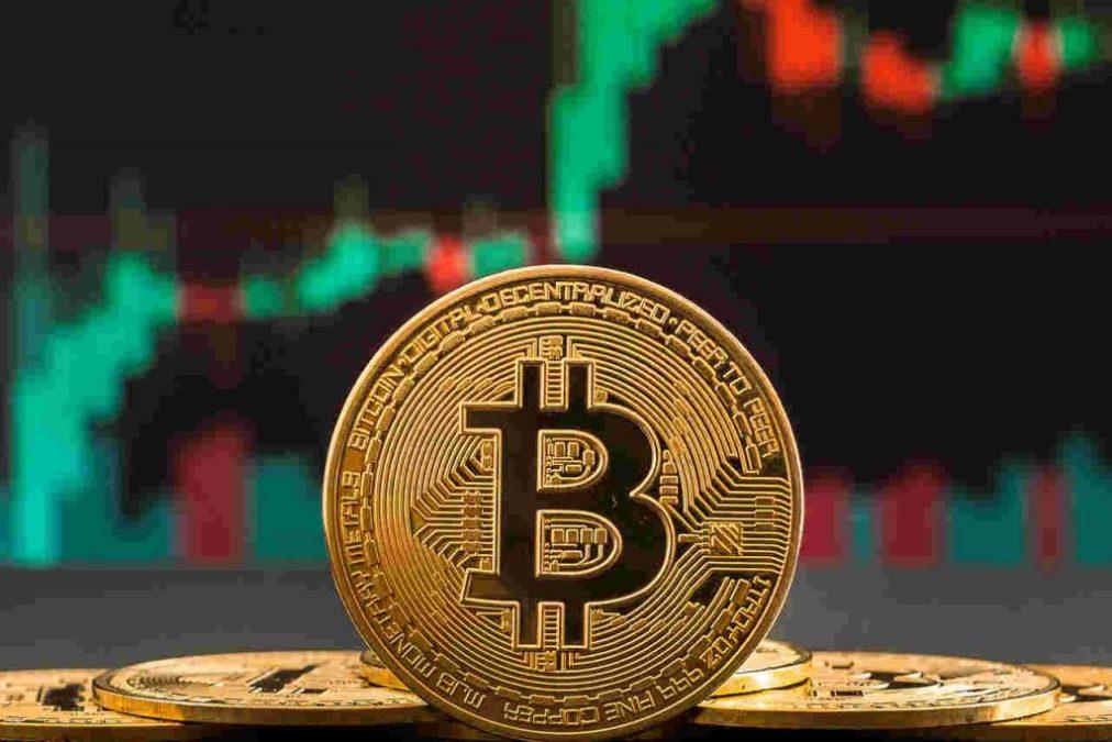 Bitcoin ultrapassa dólar canadense e se torna a 10ª maior moeda do mundo