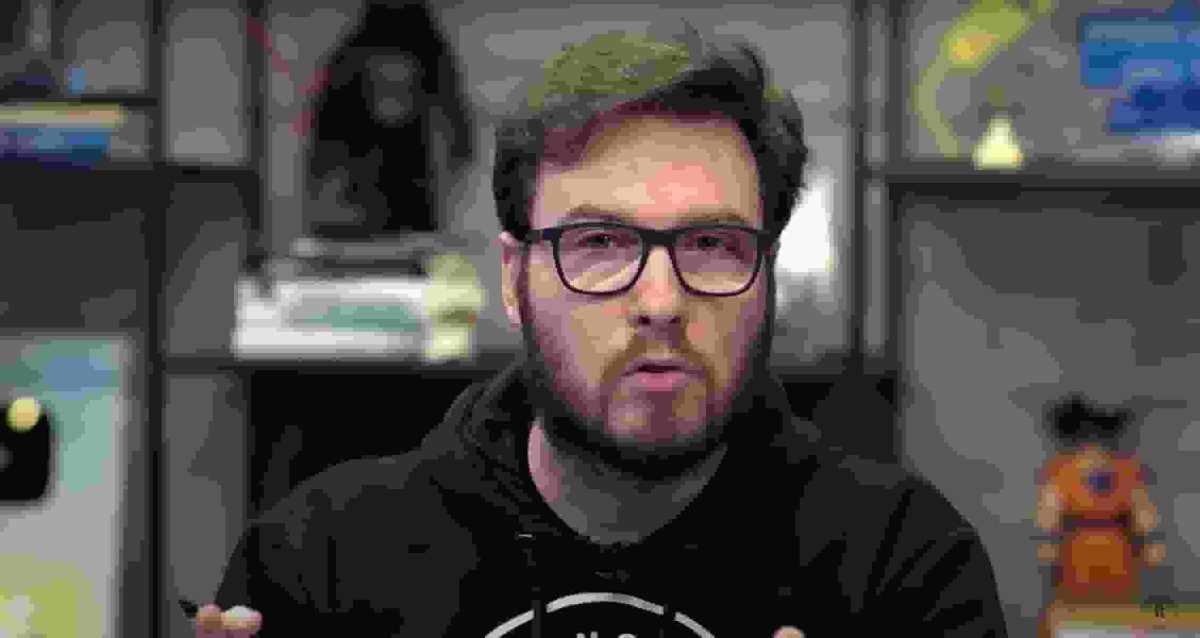 Primo Rico apaga tweets sobre REAU, que caiu 80%, mas internet não esquece