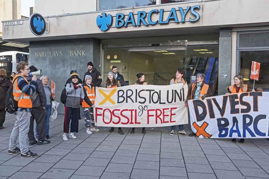 Bancos preferem combustíveis fósseis